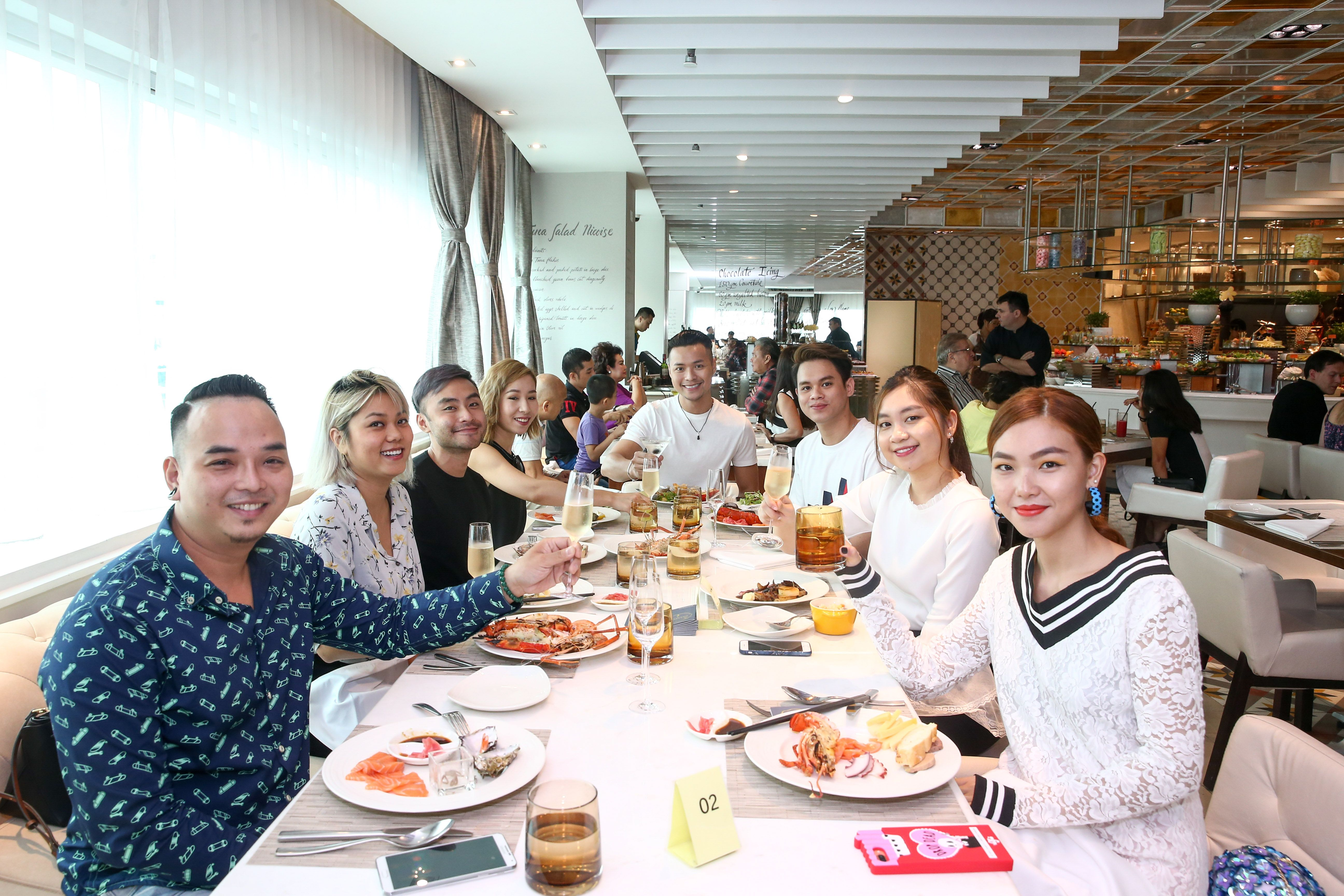 Sunday Discovery Brunch at Latest Recipe and Bamboo Chic Le Meridien Saigon Kaylee Hwang, Dung Ha Hakoota Xone FM, Dustin Nguyen MTV, An Uong VietNam